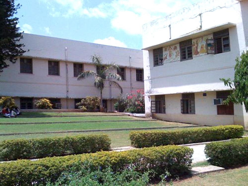 Bhailalbhai & Bhikhabhai Institute of Technology (BBIT), Vallabh Vidyanagar, Diploma Engineering ...